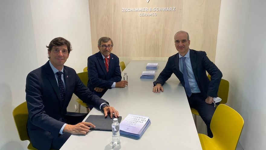 ANFFECC y Ceramicolor se unen en Cersaie por la defensa del sector de esmaltes