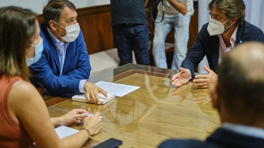 Santa Cruz estudia bonificiaciones fiscales para el sector turísticio y ampliar el Carnaval