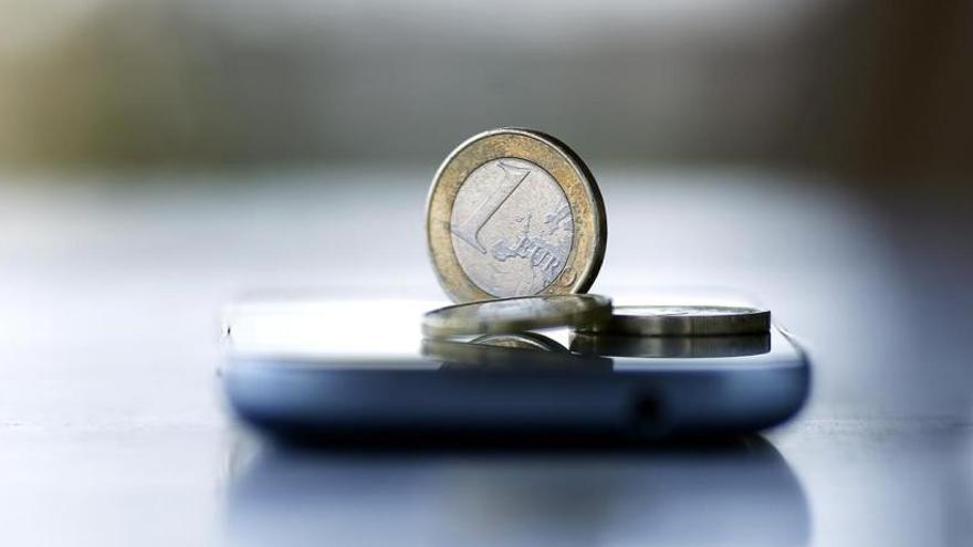 Estafa 53.000 euros con letras del Tesoro a dos hermanos en Avilés