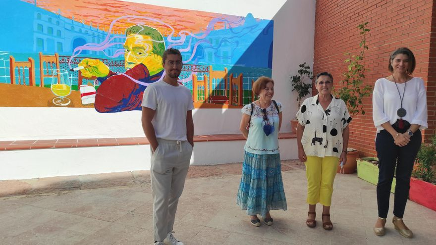 Un mural sobre Vicente Núñez ilustra el patio de la biblioteca de Aguilar