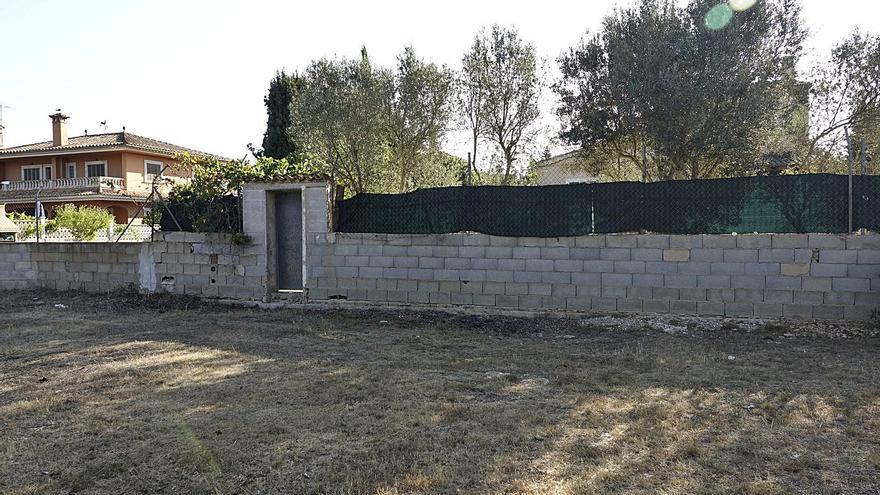 Varios chalés de Son Ferrer ocupan de forma ilegal una zona verde pública