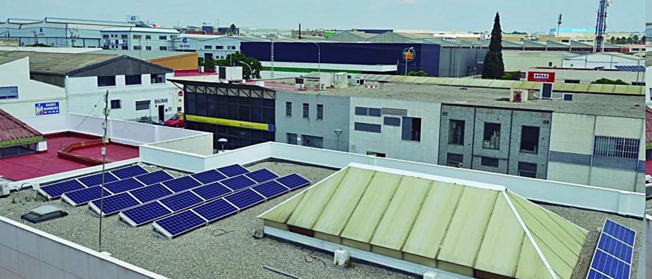 Cubierta de Asivalco, con su planta fotovoltaica | ASIVALCO