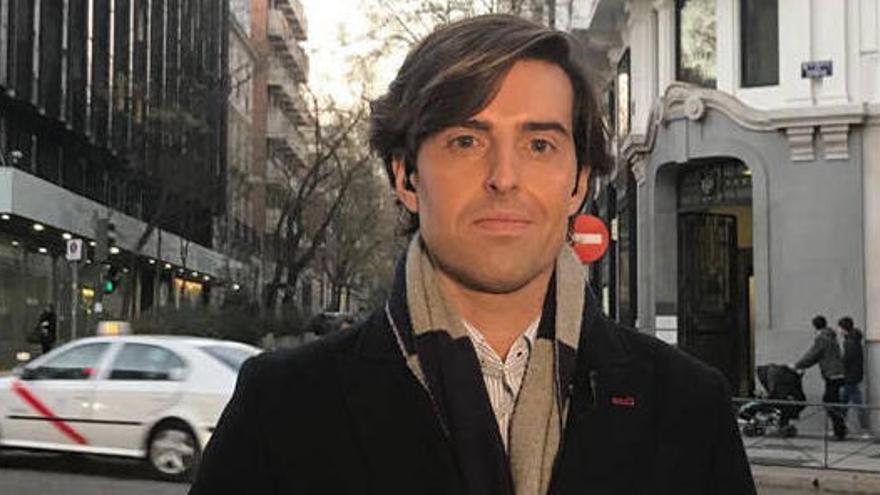 Casado ficha al periodista Pablo Montesinos y le coloca como número uno por Málaga