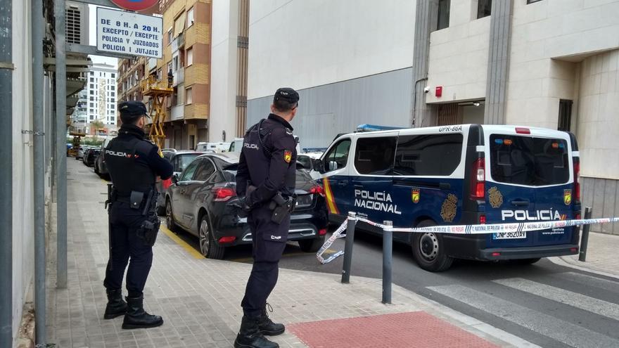 Detenido un hombre de 70 años por pinchar las ruedas a 15 coches en Sagunt