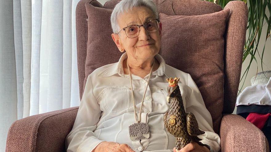 Cardona entrega la medalla centenària de la Generalitat a Ramona Arnau i Grané