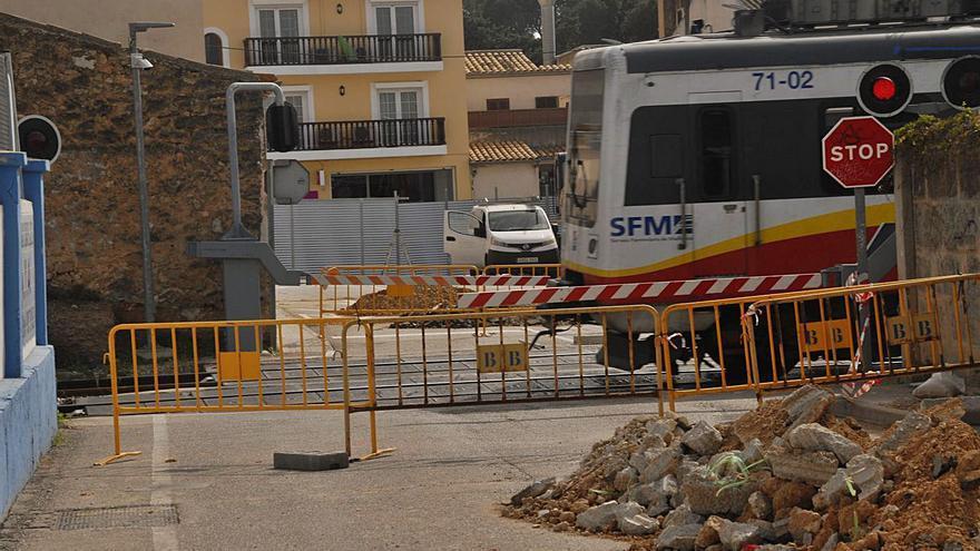 El Govern elimina el paso a nivel de la calle Farinera de Es Pont d'Inca