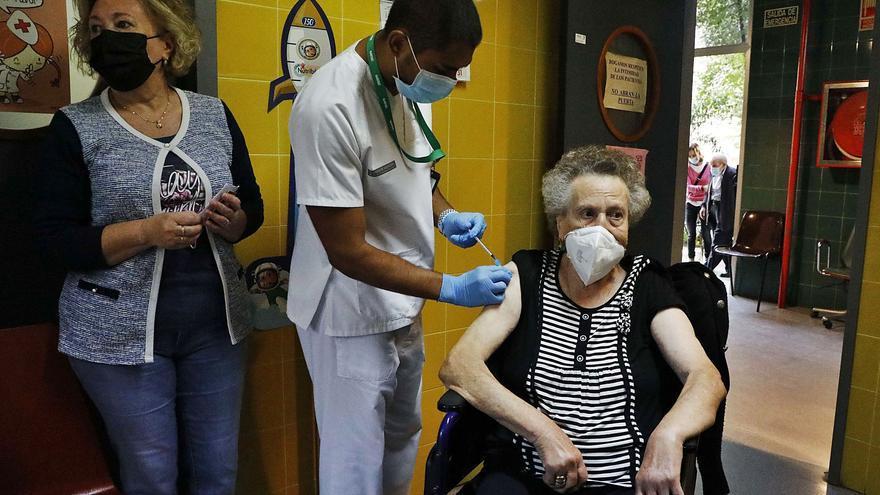 Los ancianos  en residencias tendrán una vacuna reforzada contra la gripe