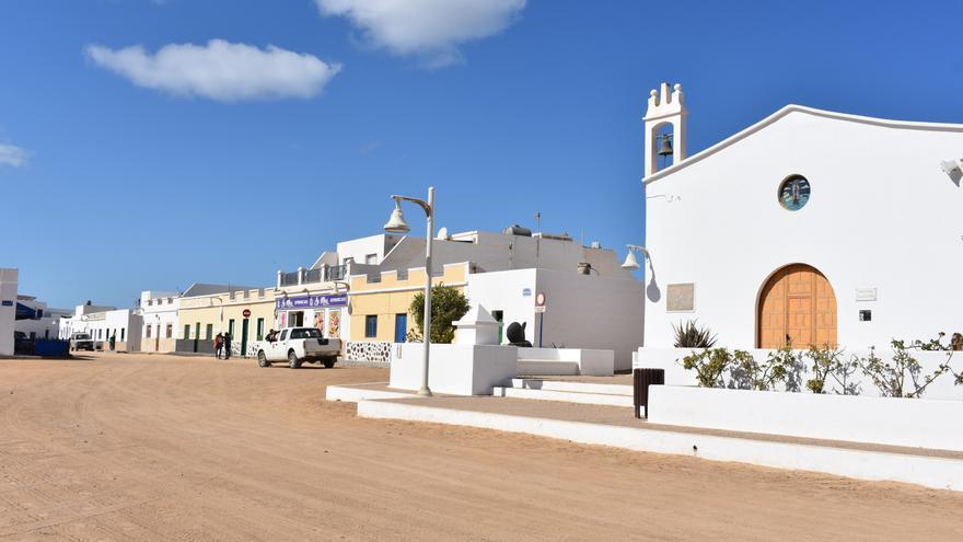 Política Territorial respalda obras en viviendas de Famara y La Graciosa