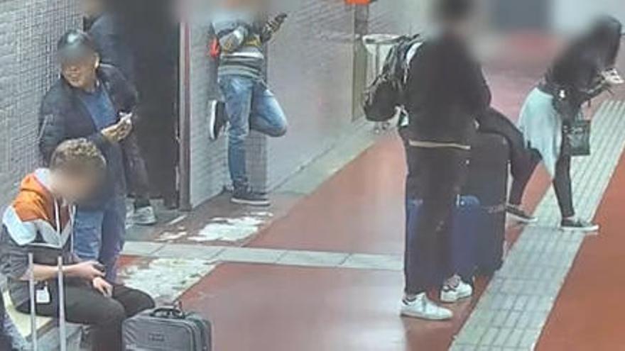 VÍDEO | Desactiven un grup criminal que robava al metro després d'escopir a la víctima