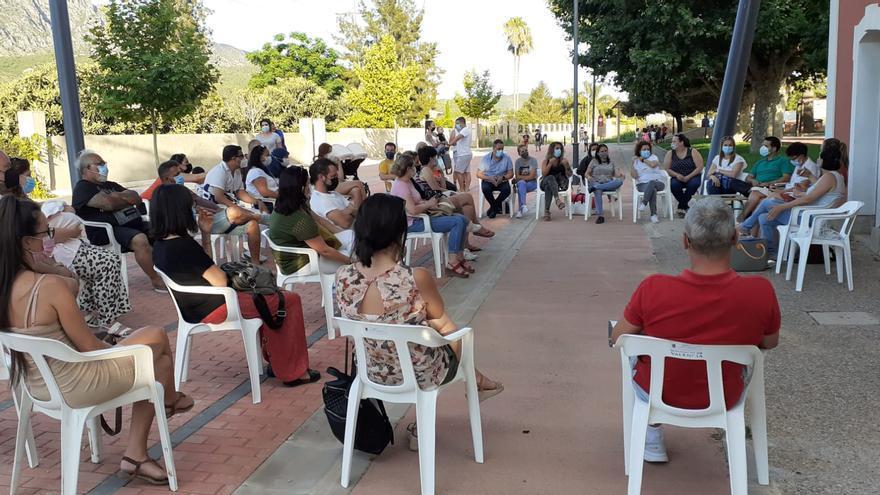 La Barraca exige un nuevo colegio por temor al derrumbe del actual
