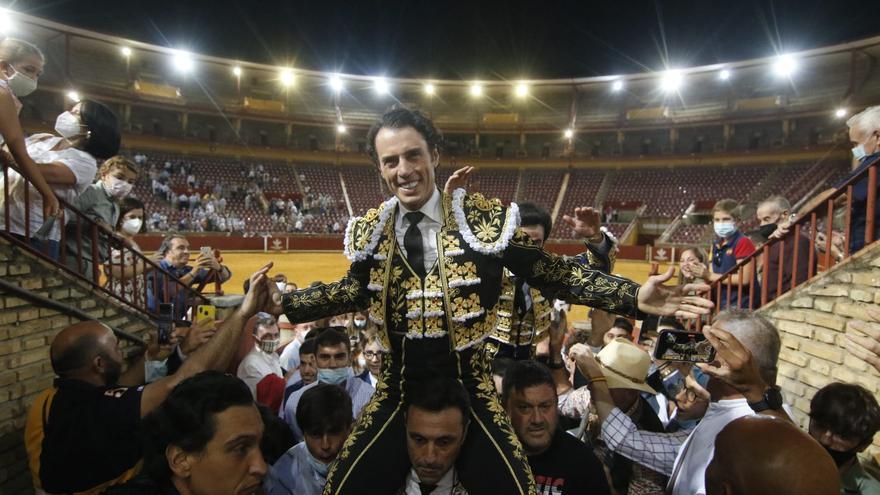 Finito y Lagartijo salen a hombros en el cierre de la temporada en Córdoba