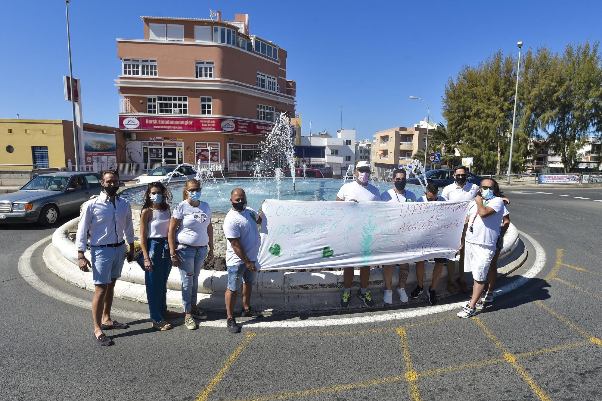 Manifestación en Arguineguín por la construcción de un paso subterráneo