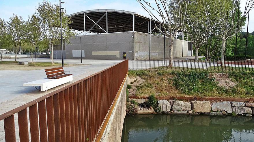 Sant Joan enllesteix la remodelació de l'entorn de la zona esportiva i el canal