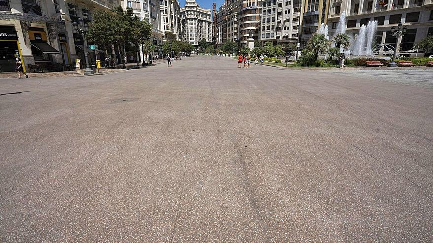 """Las marquesinas de la plaza de San Agustín """"son una chapuza"""" para el PP"""
