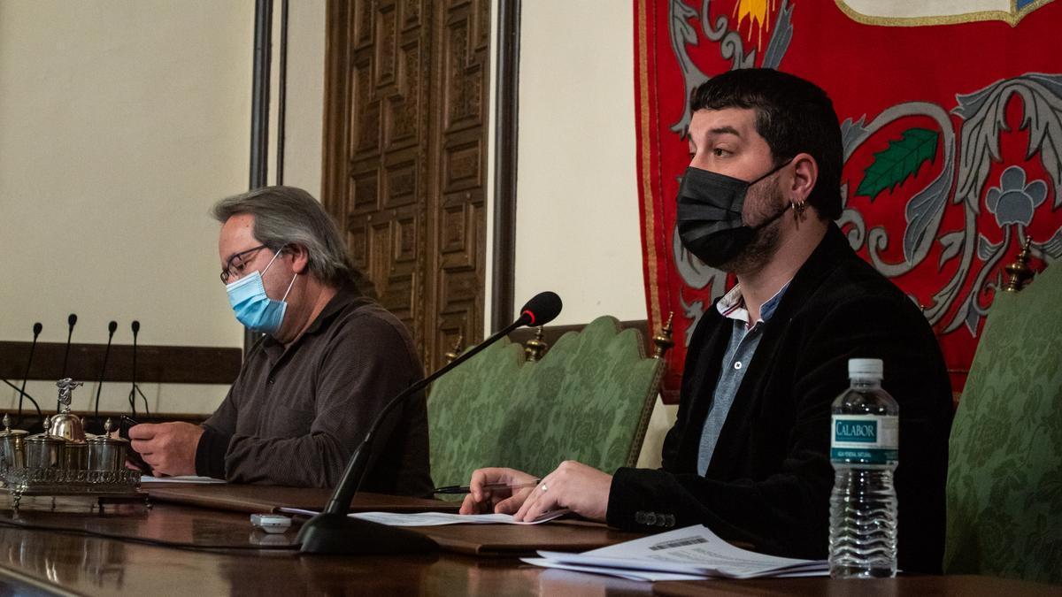 Francisco Guarido y Diego Bernardo presentan las ayudas.
