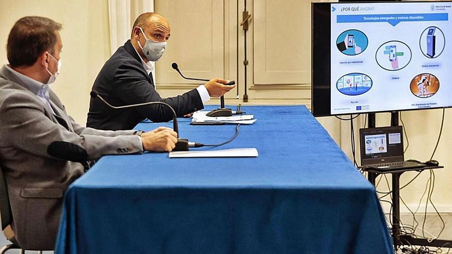 Un momento de la presentación del Plan Estratégico de Información y Atención Multicanal de Santa Cruz. | | MARÍA PISACA