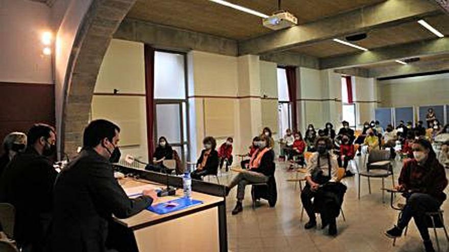 Vuit centres de Girona participen en el projecte «Apadrinem escultures»