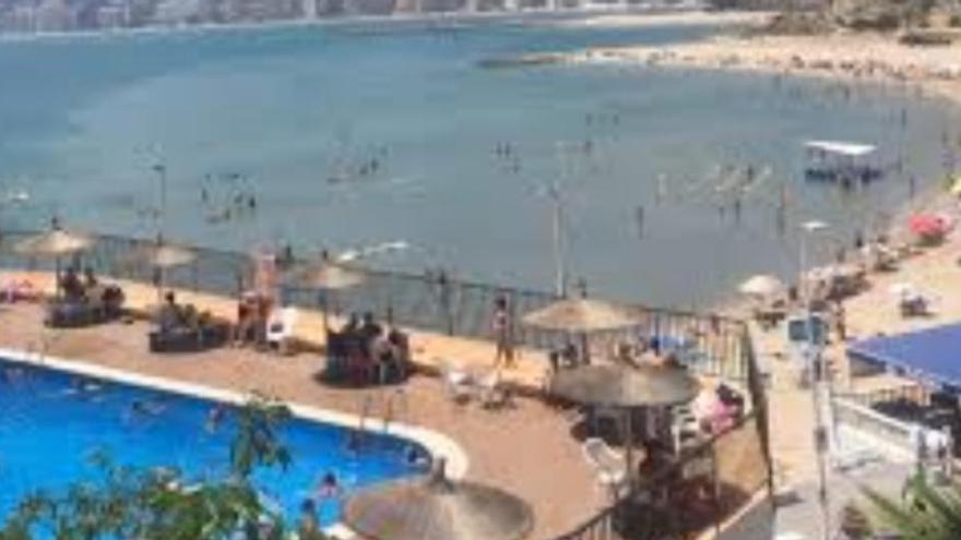Muere ahogado un hombre en la piscina de una urbanización de Cullera