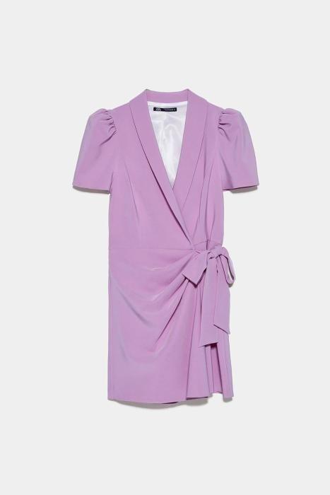 Vestido cruzado de Zara. (Precio: 39,95 euros)