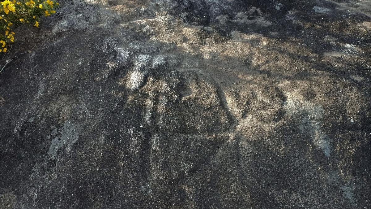 Petroglifo encontrado en Caldas