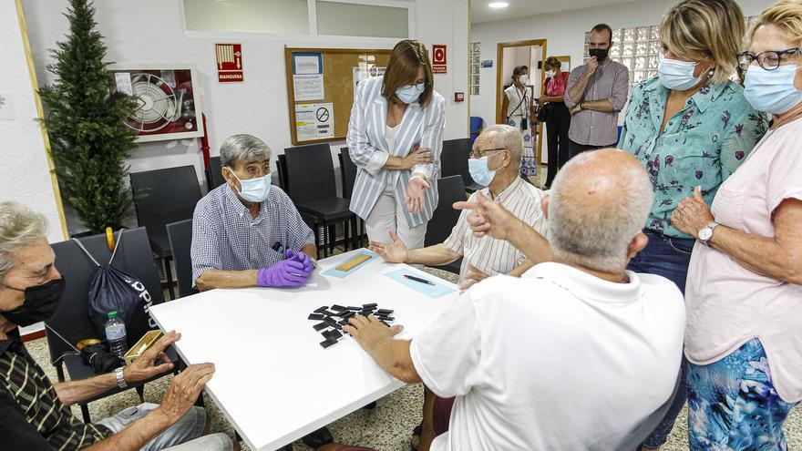 Los centros sociales de mayores vuelven a abrir todo el día