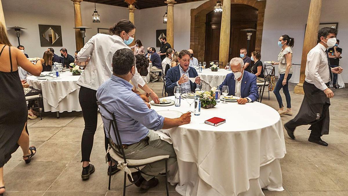 Una cata en el hotel Reconquista organizada por el International Cheese Festival. | LNE