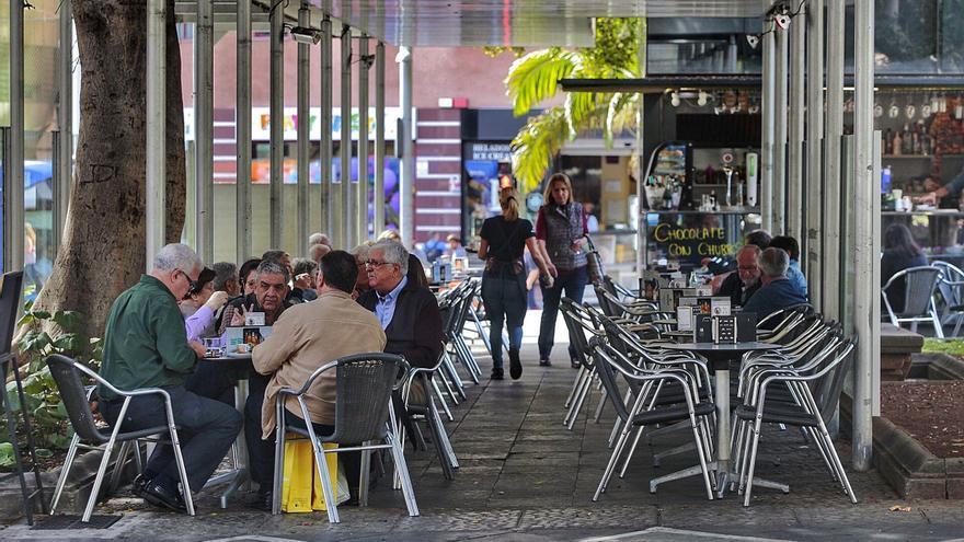 Tenerife vuelve al nivel 2 con restricciones para la restauración
