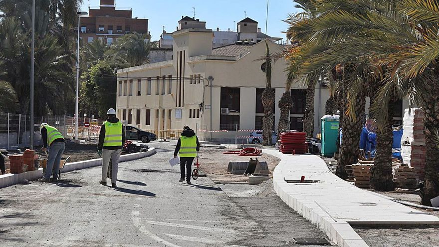 El nuevo acceso al centro recorta plazas del parking de Candalix por su diseño innovador