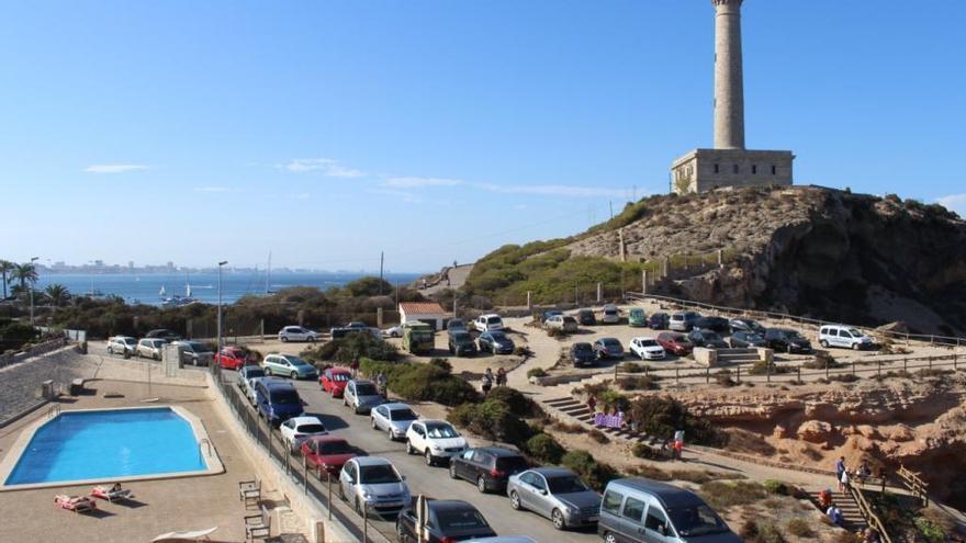 El tráfico pone en riesgo de derrumbe los acantilados del faro de Cabo de Palos