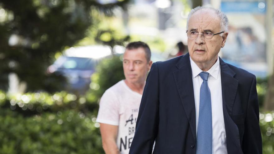 La Audiencia condena al ex conseller Rafael Blasco a un año de prisión por el desvío de ayudas a las ONG