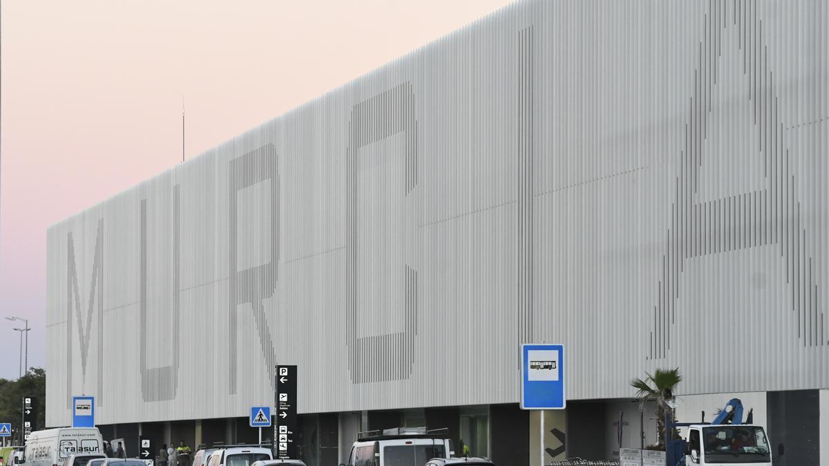 El aeropuerto de Corvera no puede llevar el nombre de 'Juan de la Cierva'.