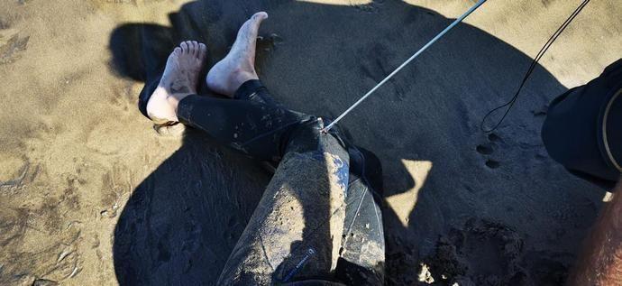 Se clava un arpón en una pierna en Puerto del Carmen