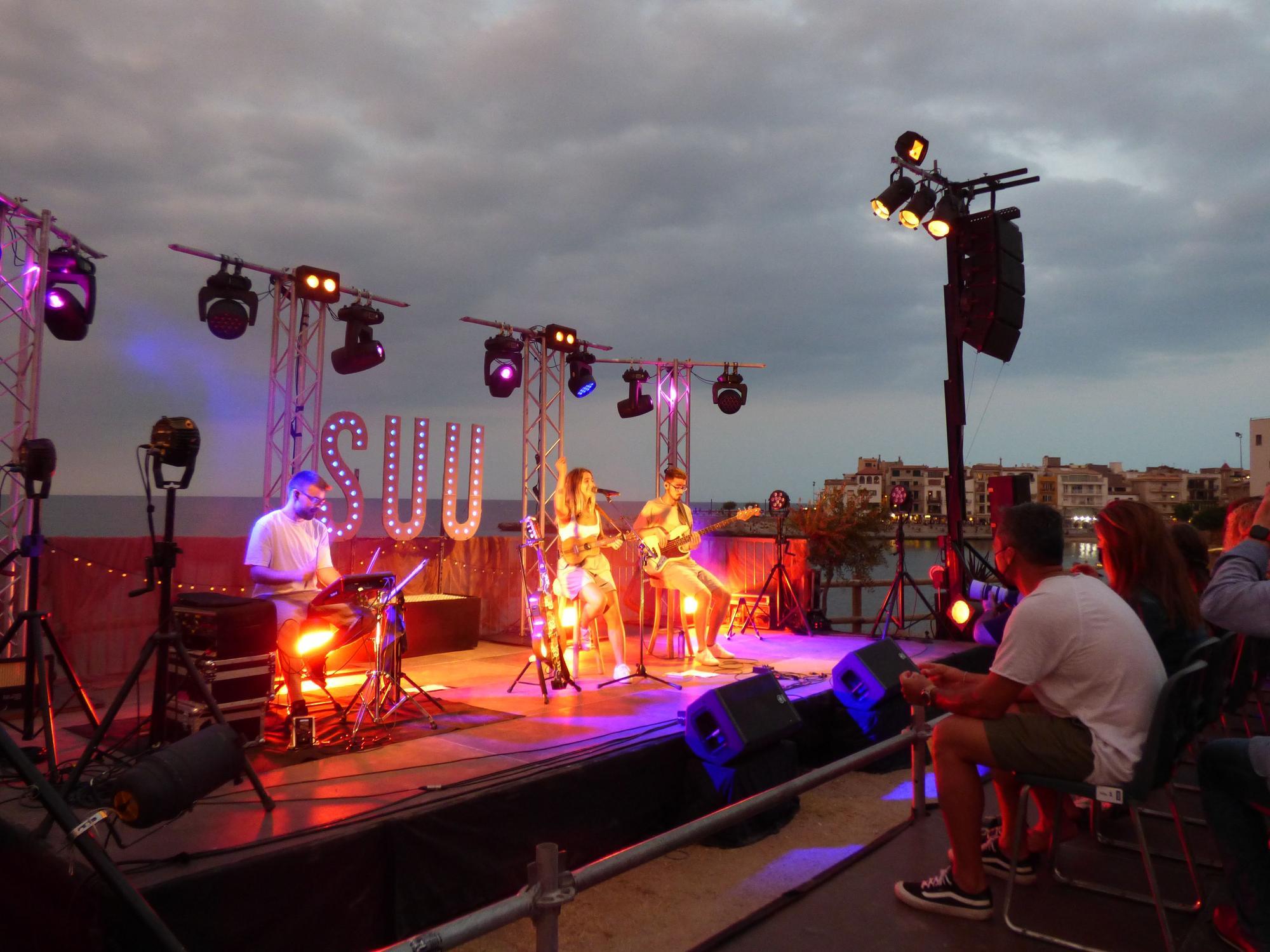 Suu actua al Festival Portalblau de l'Escala