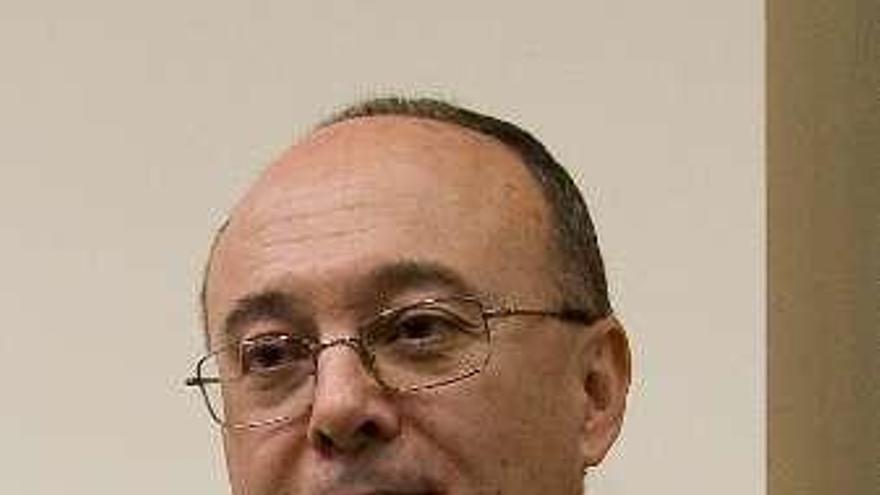 Luis María Linde ganó 183.000 euros en 2017