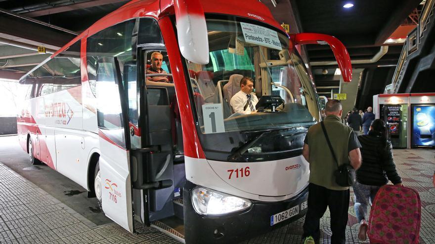 El bus entre Vigo y Madrid se eterniza: hasta nueve horas y media y 13 paradas intermedias