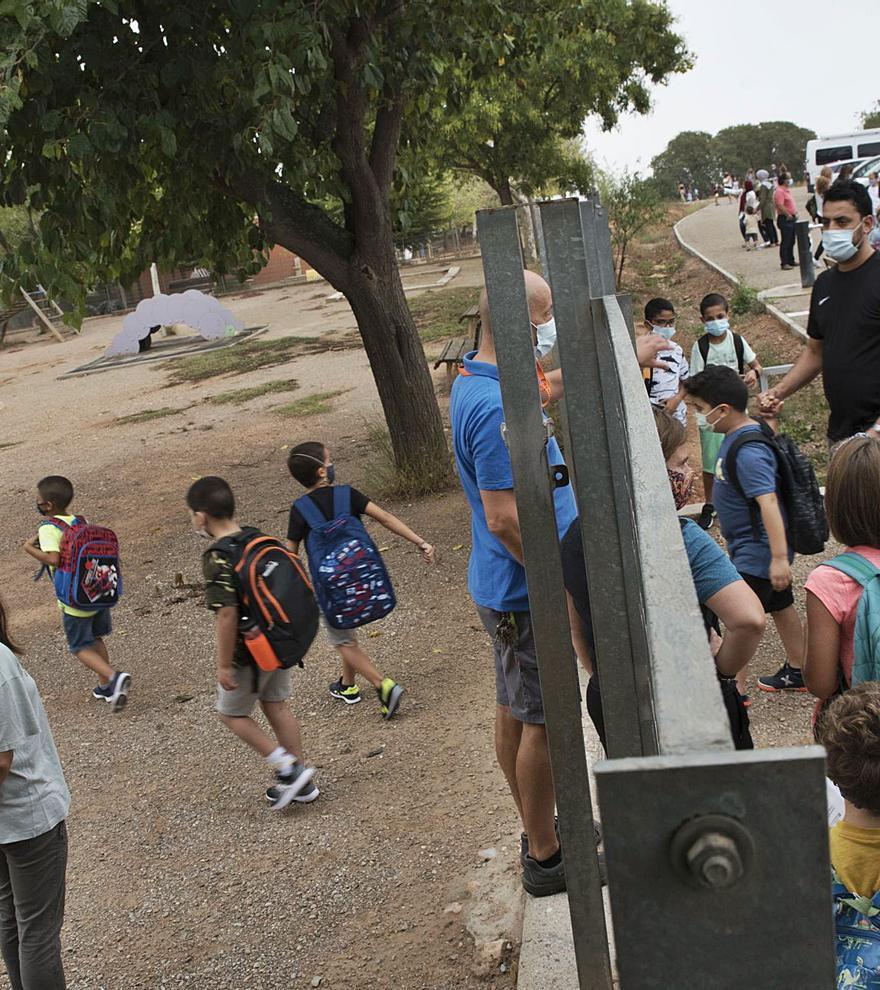 La primera setmana del curs es tanca a la regió central amb el 0,3% dels grups confinats