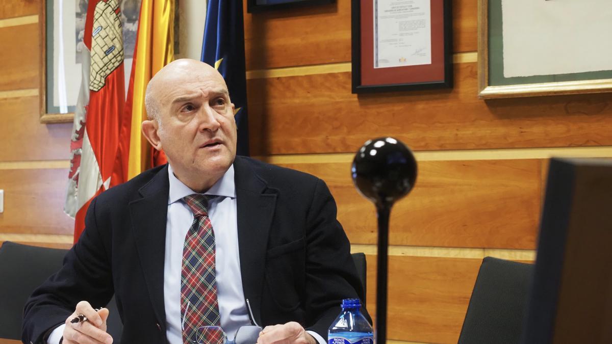 El consejero de Agricultura, Jesús Julio Carnero.
