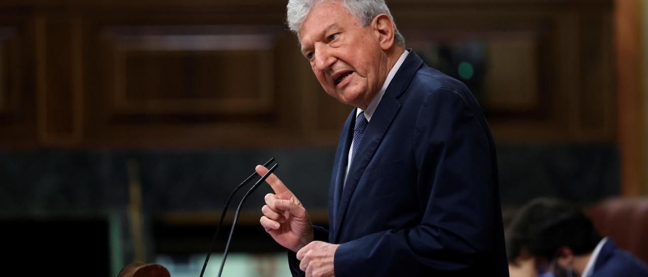 Pedro Quevedo arremete el el pleno del Congreso contra el recorte al REF