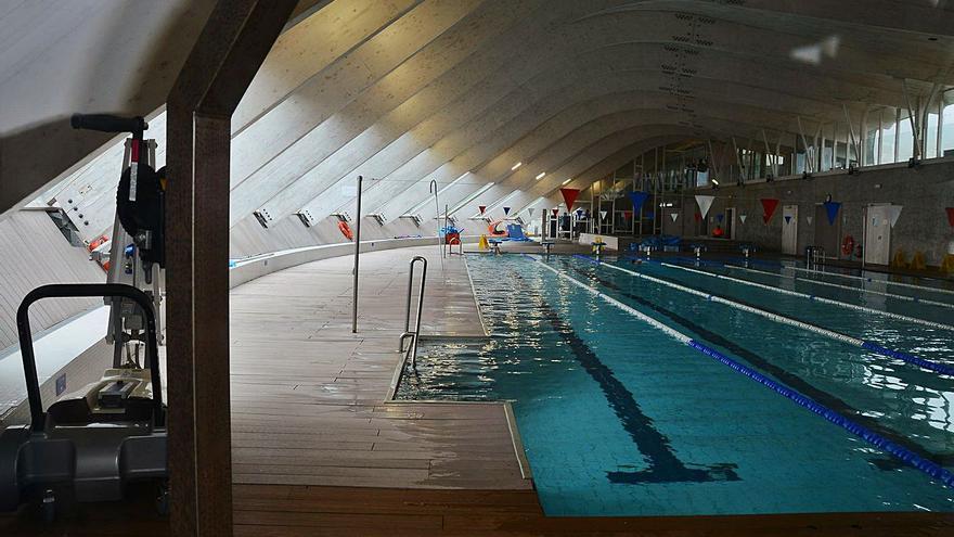 Cangas plantea la gestión pública de la piscina e invita a todos los grupos a hacer propuestas