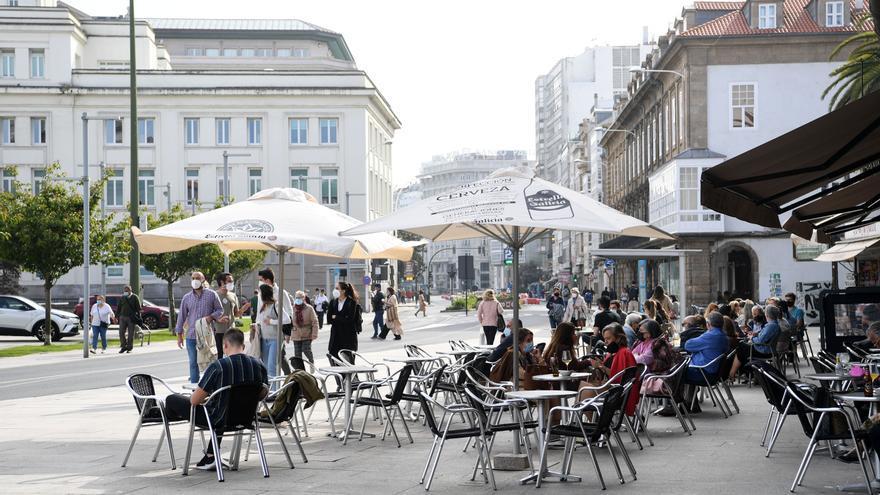A Coruña baja a nivel medio de restricciones desde esta medianoche