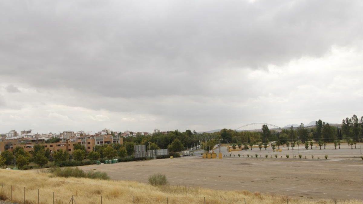 El parking de autocaravanas se ubicará en una parcela del recinto ferial.