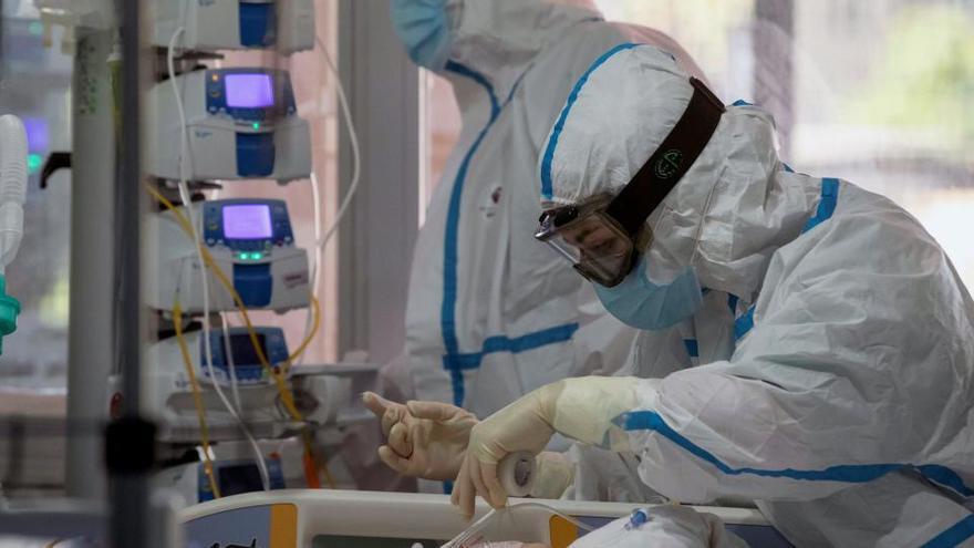 España suma el récord de 15.186 casos y 222 muertes