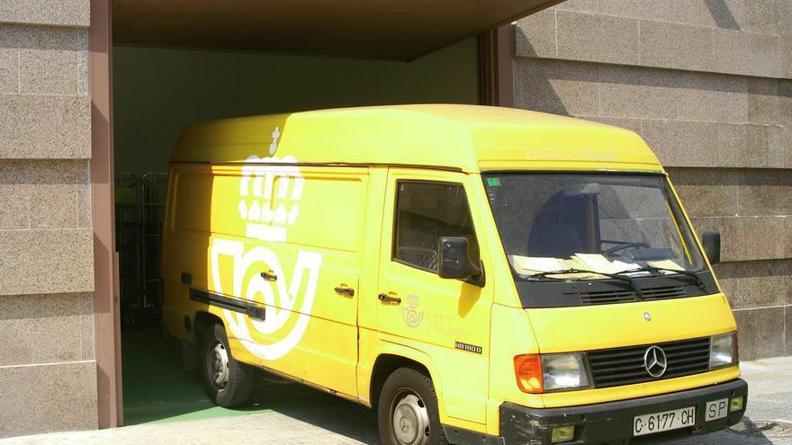 Más de 10.600 inscritos en la bolsa de empleo de Correos en A Coruña