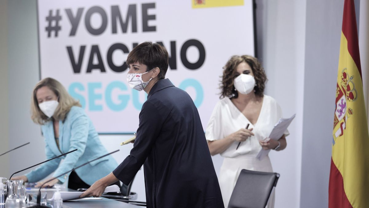 Nadia Calviño, Isabel Rodríguez y María Jesús Montero.
