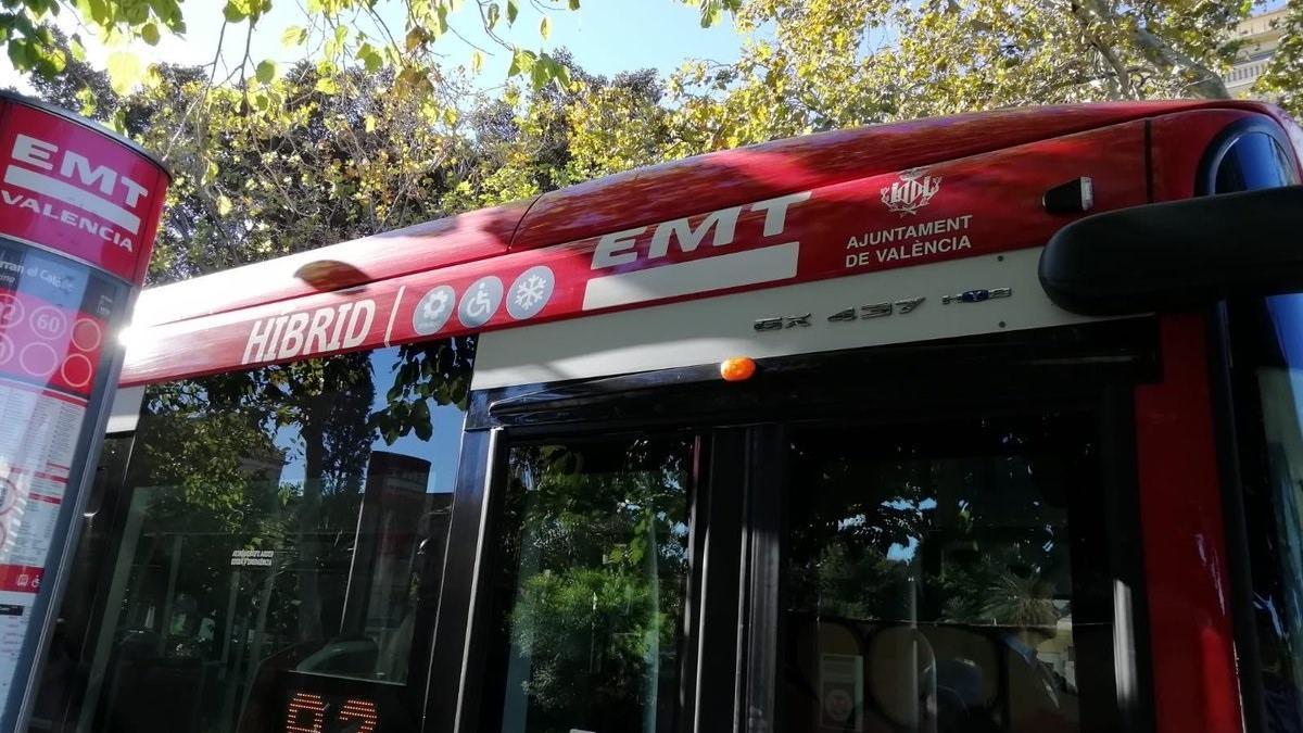 Imatge d'arxiu d'un autobús de l'EMT de València.