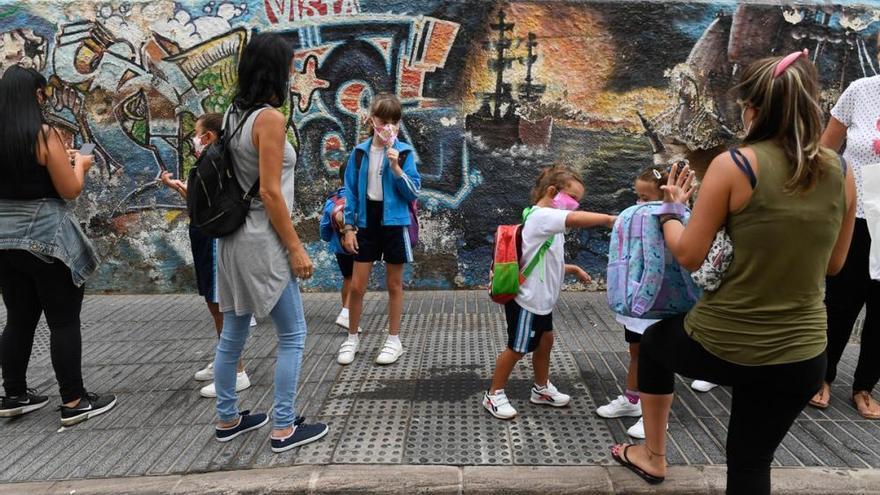 Un total de 34 alumnos en Canarias da positivo por Covid-19 desde el inicio del curso