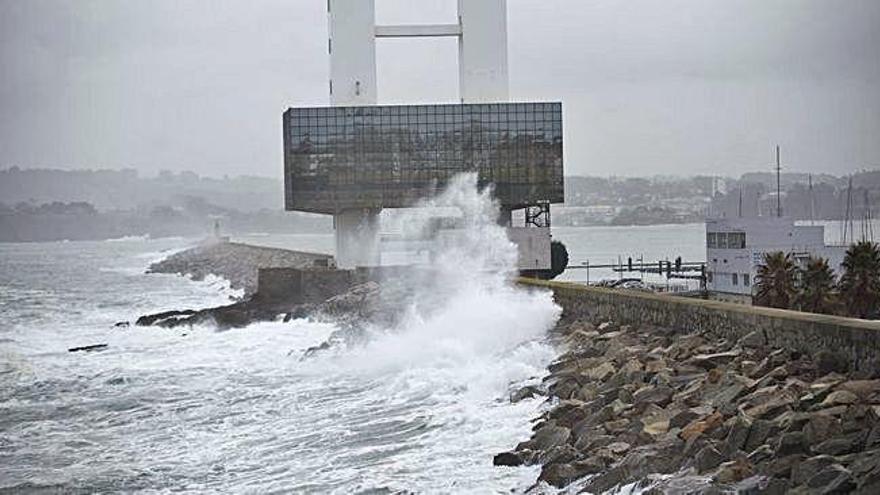 El temporal en el mar deja olas de casi nueve metros en Estaca de Bares