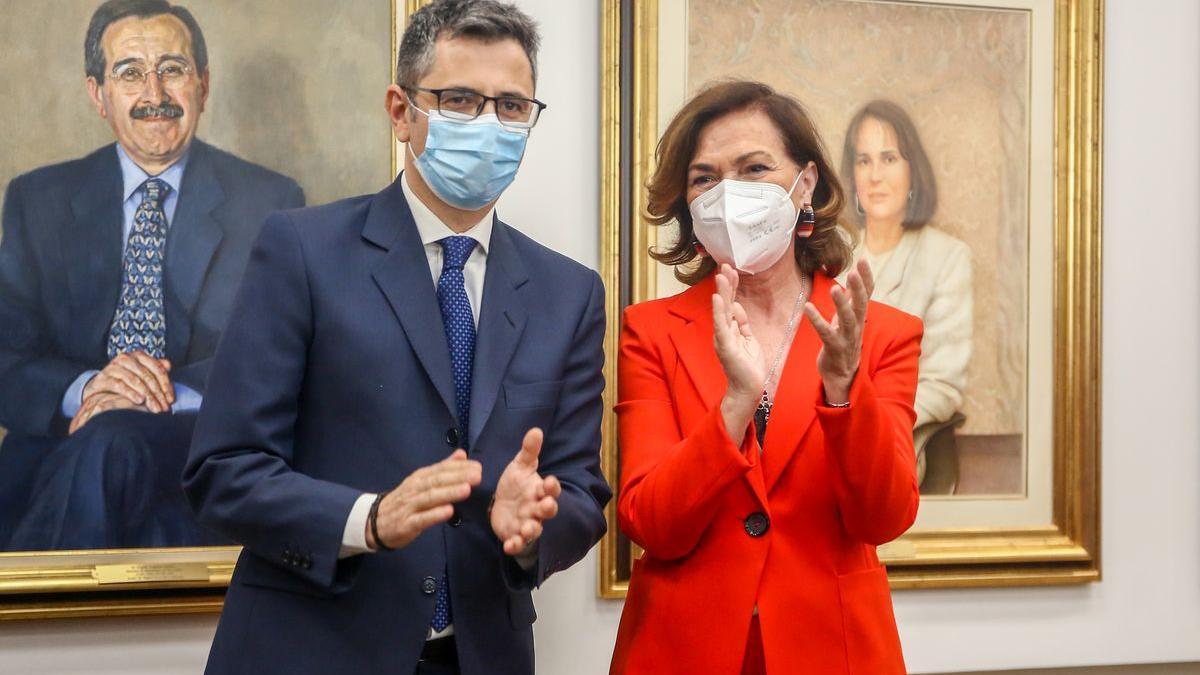 Carmen Calvo junto a su sucesor, Félix Bolaños.