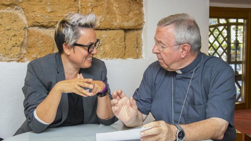El obispo de Mallorca y Vivas acercan posturas sobre la figura de fray Juníper Serra