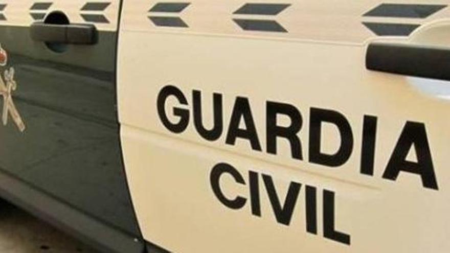 Detingut un home que es va atrinxerar després d'atacar la seva mare amb una destral a Madrid